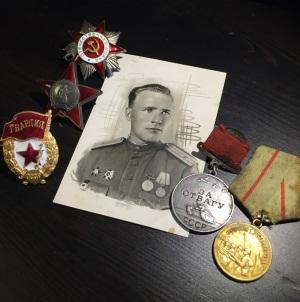 Передача наград на хранение музеям