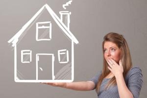 Можно ли оформить договор дарения жилого дома, если даритель планирует жить в доме?