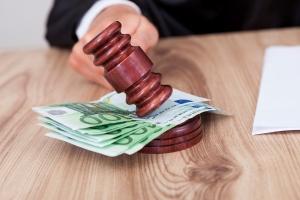 Наказание за нарушение тайны завещания нотариусом и иными лицами