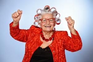 Является ли бабушка близким родственником?