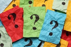 Как должно исполняться завещательное возложение материального характера?