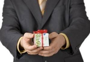 Дарение доли в ООО третьему лицу: пошаговая инструкция